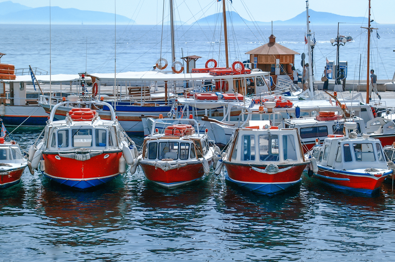 carrousel 11 spetses Port