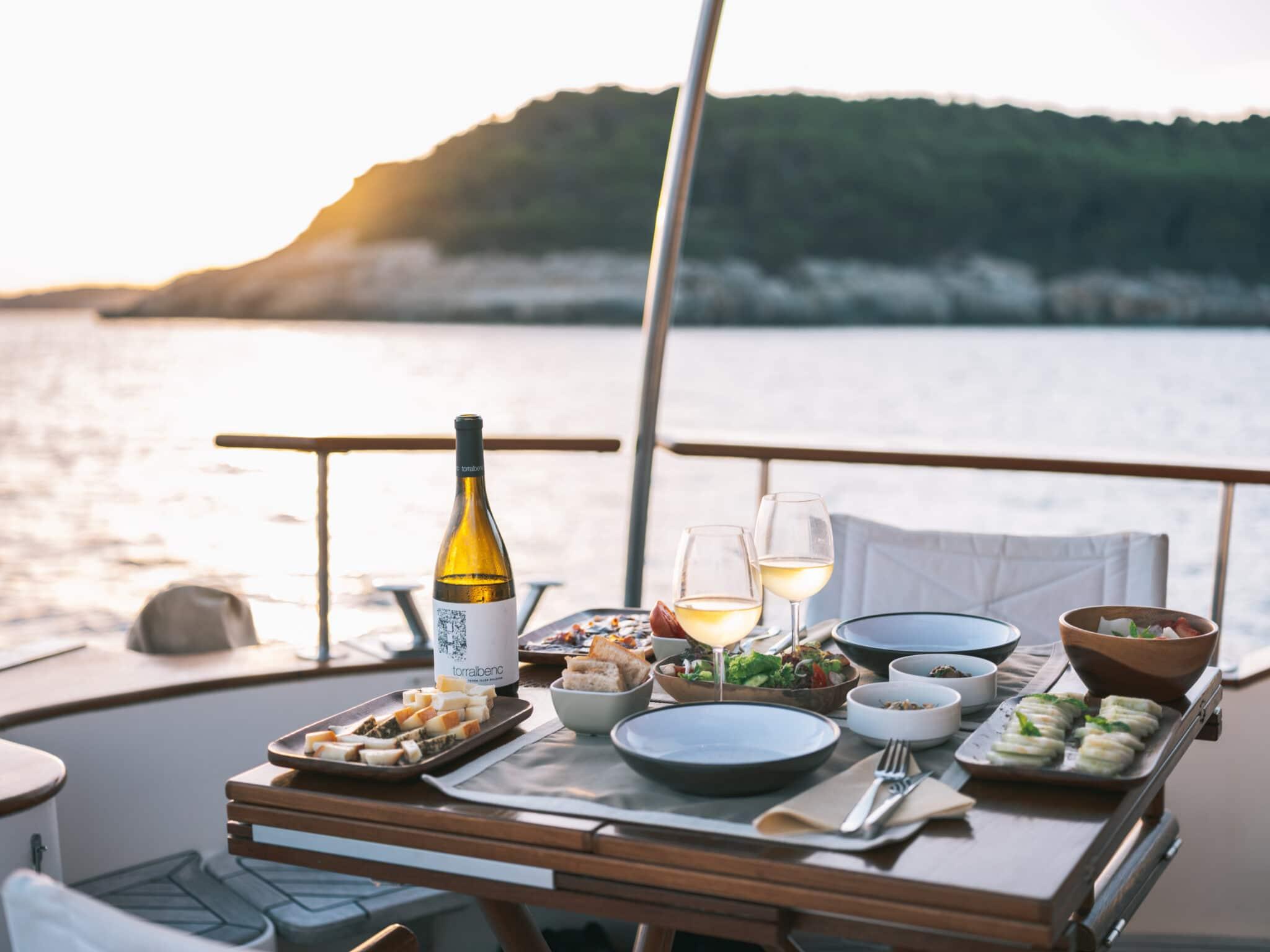 Carrousel 5 torralbenc- dinner-boat-talati-menorca-sunset-mediterranean-sea-DSCF8662