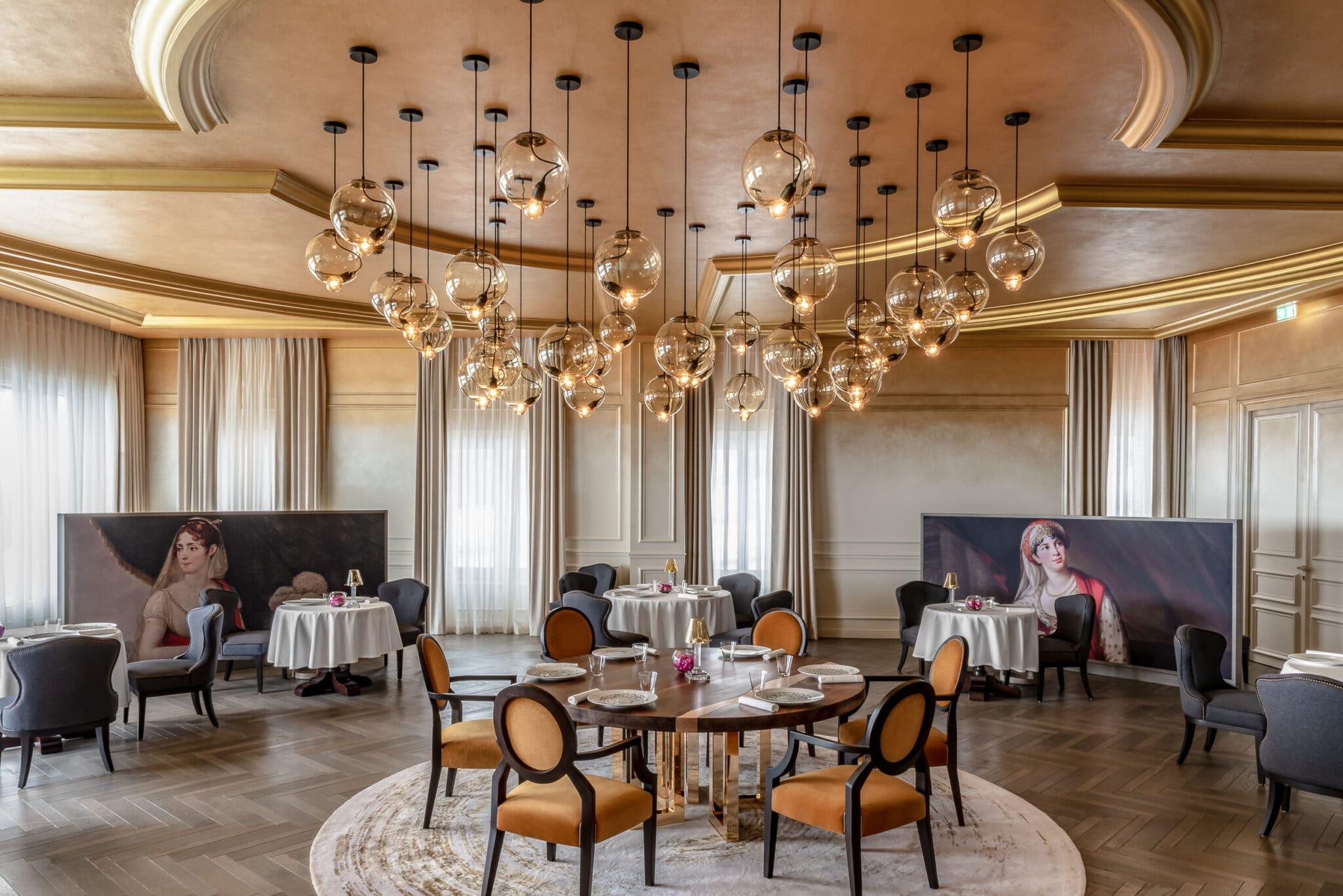 Convention Bureau - Le Royal -Restaurant view (2)