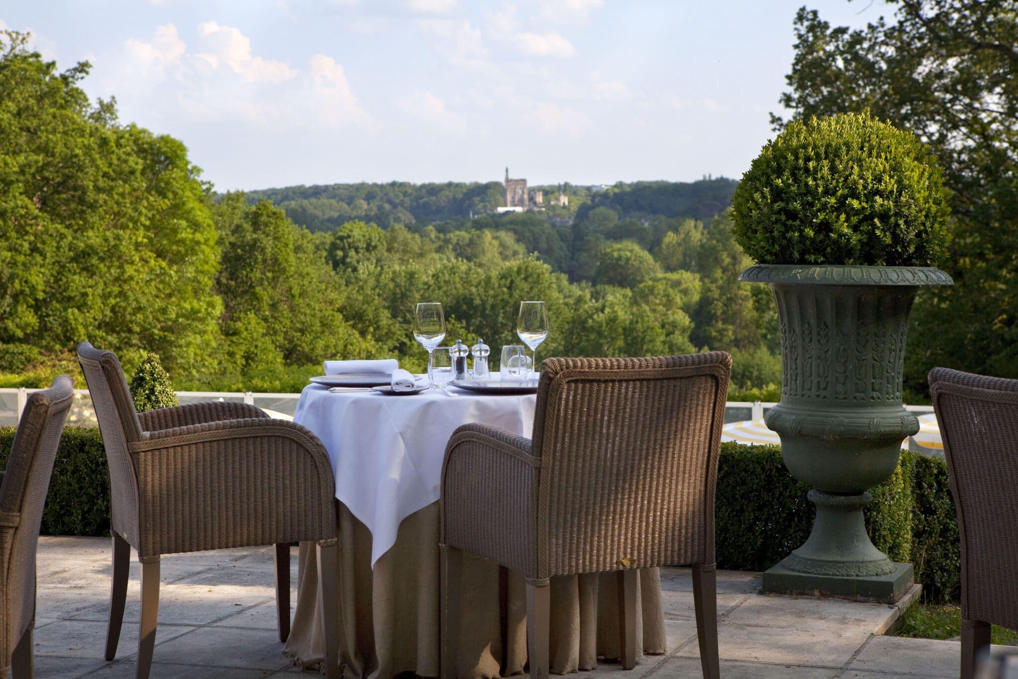 Restaurant gastronomique avec terrasse