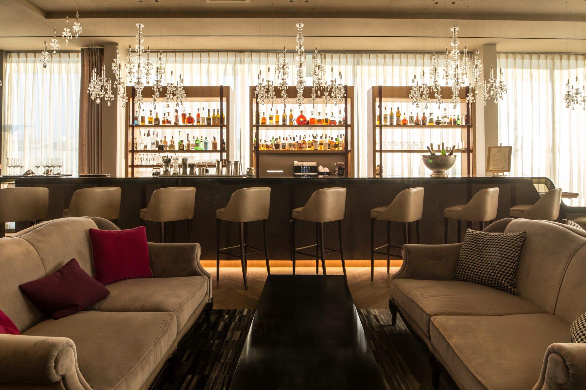 Royal Champagne Le Bellevue - Bar (8)