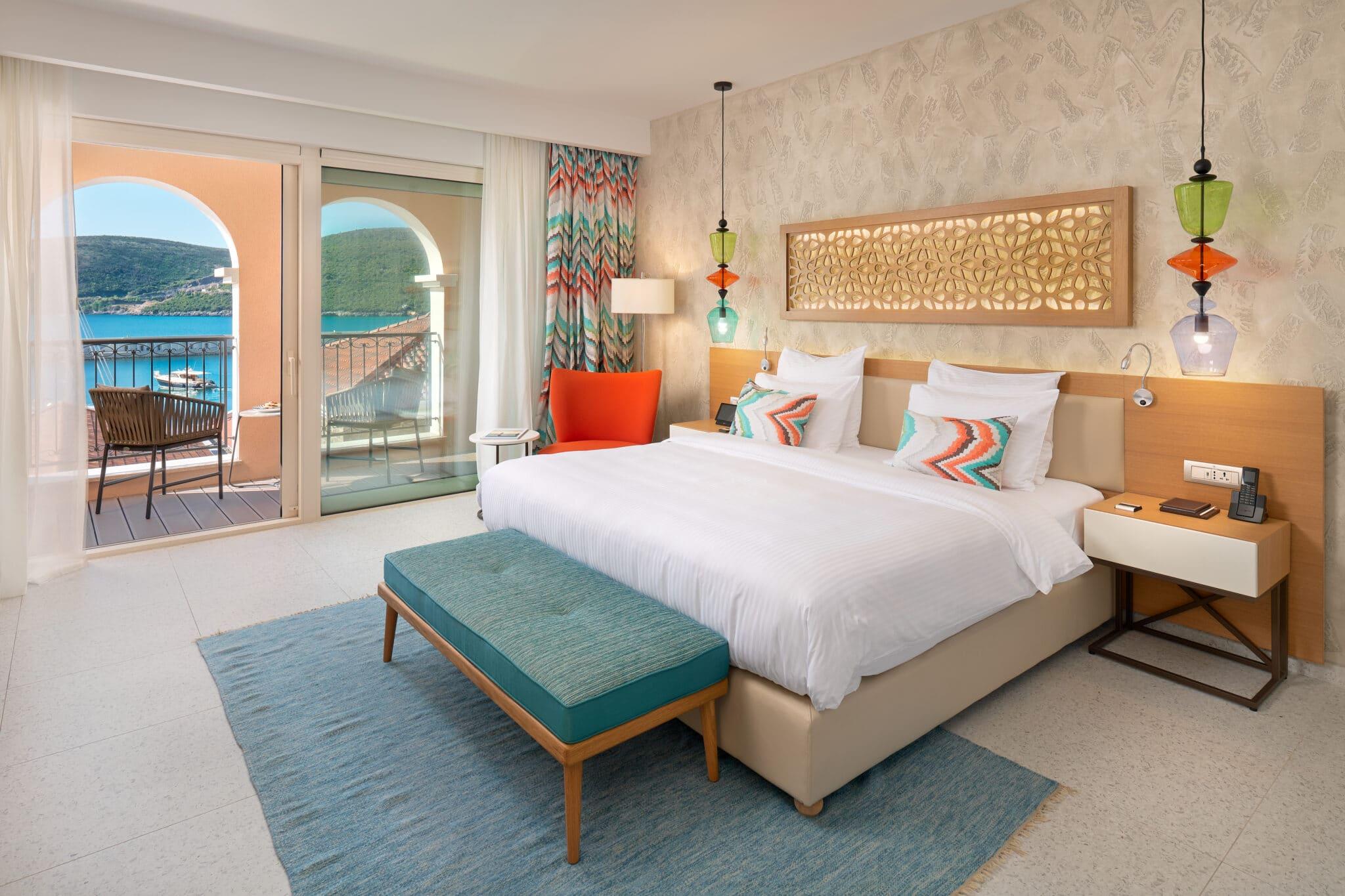 3. Deluxe Room, bedroom